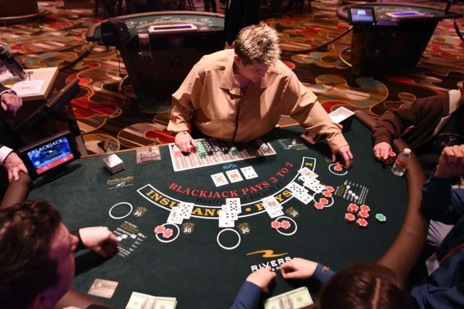 Reasons to use the online casino sites with intelligence