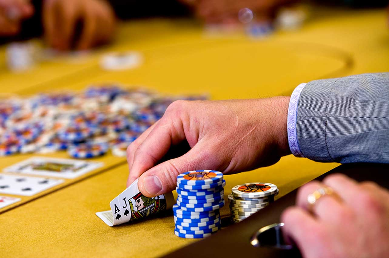 Register For An Online Casino Account And Enjoy These Amazing Bonuses